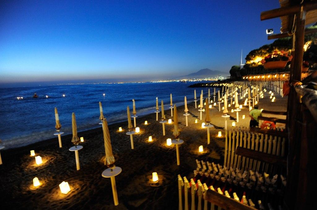 Matrimonio In Spiaggia Costi : Il bikini matrimonio a sorrento