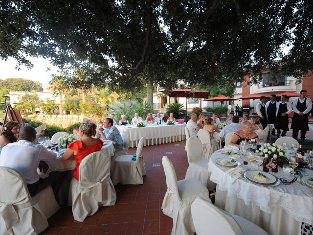 Matrimonio Natalizio Sorrento : Villa antiche mura matrimonio a sorrento
